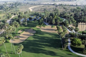 Cambodia Golf Courses Aim To Hit Tourists